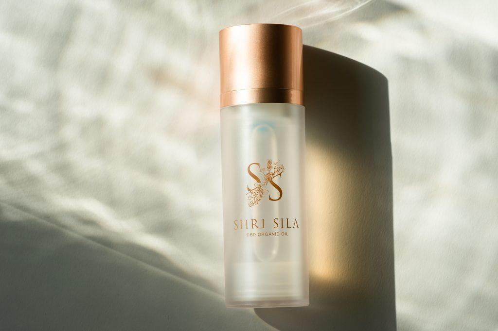 SHRI SILA(シュリシーラ) 公式ブランドサイト